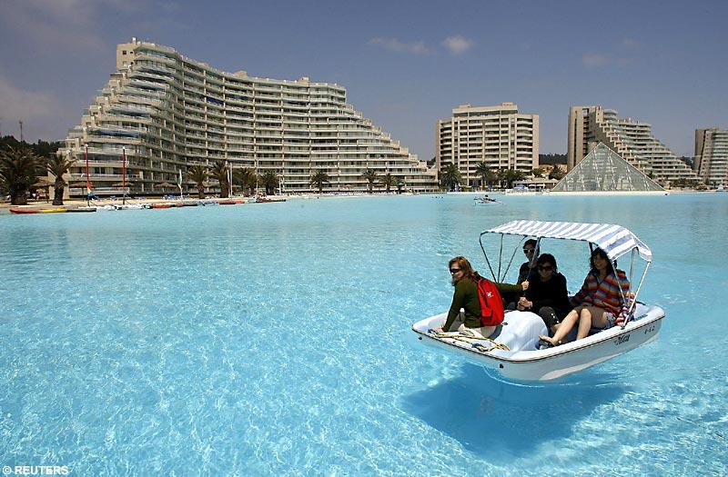 1 Billion Dollar Swimming Pool 115 Foot Deep World S Largest Swimming Pool